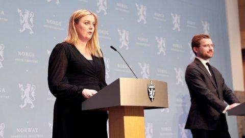 Olje og energiminister Tina Bru og klima- og miljøminister Sveinung Rotevatn på lanseringen av «Langskip», Norges nye storstilte karbonfangst-prosjekt.