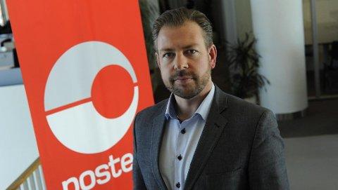 Pressesjef John Eckhoff i Posten Norge advarer norske politikere mot å fjerne tollfrigrensen på egenhånd. – Dersom Stortinget skulle vedta å fjerne mva-grensen allerede fra 2019, vil kostnadene og gebyret bli som i dag.