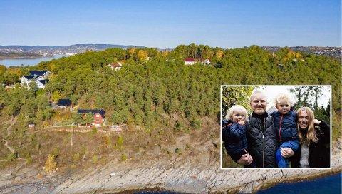 SELGER DRØMMEN: Bernhard (2) på Martins arm, Frithjof (4) og Wenche. Logistikk og arbeidssituasjon gjør at familien planlegger å flytte vestover i byen, og dermed selger de tomt og tegninger av drømmehuset på Malmøya. Foto: Privat