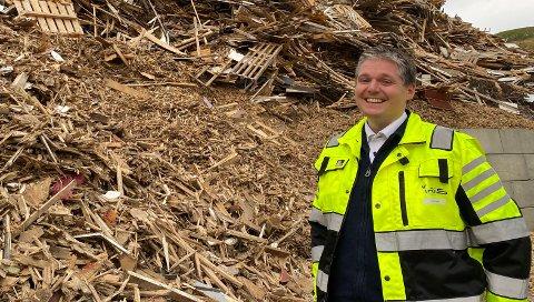 Daglig leder Harald Willumsen Østbø i Iris Produksjon er meget godt fornøyd med at fylkesmannen har godkjent søknaden om å få lagre PFAS-masser på deponiet i Vikan.
