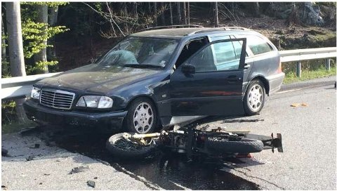 Å krasje med moped eller motorsykkel kan få store konsekvenser.
