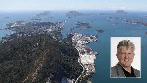 BOTNASTRANDA: Styreleiar Vidar Grønnevik i KF Florø hamn ser ikkje Gunhildvågen som aktuell plassering av ei framtidig godshamn. I staden vil han ha all containertrafikken og godstrafikken til Botnastranda.