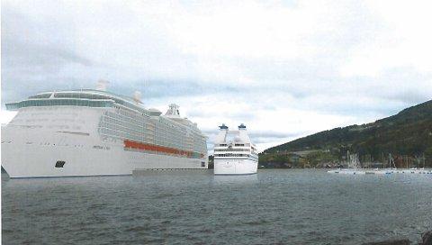 RUVAR: Her er verdas største cruiseskip, 360 meter lange «Allure of the Seas», plassert i rett dimensjon i forhold til kaia. Skissa viser også at det er mogleg å ta imot ytterlegare eitt turistskip på 200 meters lengde samstundes.