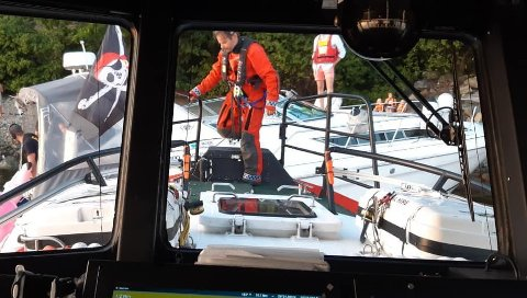 REDNINGSOPPDRAG: Redningsskøyta «Elias» rykket ut til en båt som var på vei ned og hadde sendt ut mayday-varsel torsdag kveld. Redningsaksjonen fortsatte utover natten.