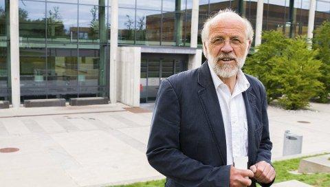 GRADVIS TILBAKE:  Rektor ved Universitetet i Sørøst-Norge (USN), Petter Aasen, er glad for at man begynne å vende tilbake til normalen.