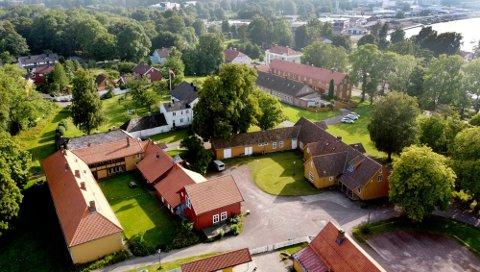 LEILIGHETER: Gamlehorten Gjestegård har vært et større kultursted i mer enn 10 år. Nå planlegges det boliger på området.