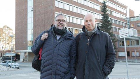 I RUTE: Overføringen av sykehuset i Kongsvinger fra Sykehuset Innlandet til Ahus er i rute, forsikrer Tore Robertsen (til venstre), direktør for eierstyring i Helse Sør-Øst, og Geir Bøhler, konstituert direktør for pasientsikkerhet. Endringen i foretakstilhørighet gjennomføres 1. februar neste år.