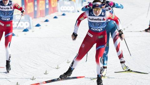 Sterk: Tiril Udnes Weng viste bakskiene til store deler av verdenseliten på de to første etappene av Tour de Ski i helga. FOTO: TERJE PEDERSEN  (SCANPIX)