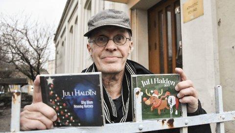 MUSIKKGLAD: Musikkinteressen har fulgt Thorkil H. Lindskog hele livet og har blant annet resultert i prosjektet Jul i Halden. Nå kan kan bli kåret som vinner av prisen Årets ildsjel. Alle finalistene presenteres i jula.