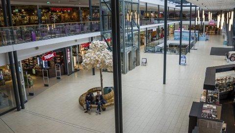 Det ser mørkt ut for julehandelen i butikkene som har basert seg på norsk grensetrafikk.