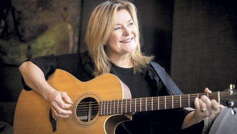 TIL HAMAR: Elisabeth Andreassen har mange minner som artist. Nå setter hun av en kveld i Hamar til å mimre. Foto: André Løyning, United Stage