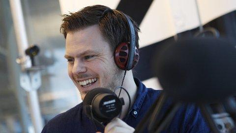 RADIOPROFIL: – Jeg kan egentlig ikke synge, sier  Eivind Kallevik som har laget egen versjon av Freddy Kalas sin landeplage «Pinne for landet». Foto: Harald Nordbakken