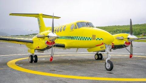 Illustrasjonsbilde av lufttransport sine små ambulansefly ved flyplassen i Troms