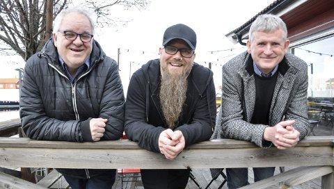 – NÅ ER VI I GANG: Rune Kokkin (t.v.), Tor Baklund og Thorleif Jacobsen gleder seg til å arrangere kulturfestival i Holmestrand 5.–14. juni. Med seg i styret har de Siv Anette Rognlidalen og Jon Kåre Larsen. FOTO: BJØRN TORE BRØSKE