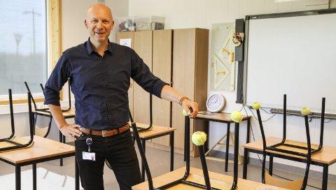 NED FRA RØDT: Rektor Bent Halvorsen på Gjøklep ungdomsskole sier han er glad for at de nå kan ned på gult nivå igjen.