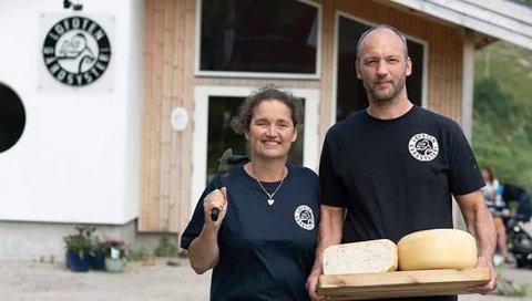 YPPERLIG YST: Marielle de Roos og Hugo Vink løftes fram som de beste ambassadørene for nord-norsk økologisk mat i 2020 av en bredt sammensatt jury.