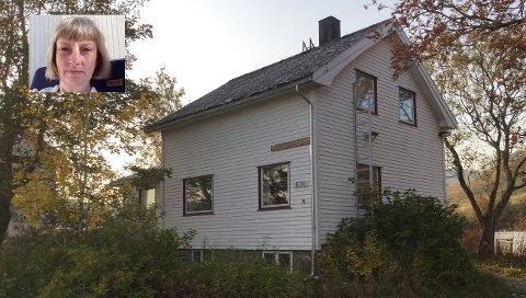 Evy Lorentzen driver Mormors hus på Bøstad.