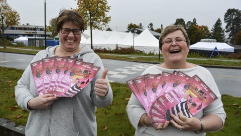 – DETTE BLIR GØY: Solveig Strømnes (til venstre) og Heidi Ødegaard gleder seg til Råde Parkfestival 2017 som innledes torsdag kveld.