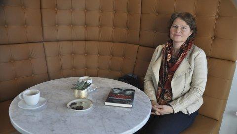 TIL BOKMESSEN: Hilde Vesaas er barnebarn av Tarjei og Halldis Moren Vesaas. I «boka «Carl Fredriksens transport» forteller hun om en annen og mer ukjent del av sin familie. 21. november kommer hun til bokmessen på Parkteatret.