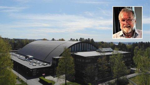 UENIG: BU-leder Knut Falchenberg (innfelt) synes ikke noe om at BSK, Oslo Idrettskrets og KFUM/Oslo får festeavtaler på 5 000 kroner i året på tomtene de har store planer om å bygge ut på Ekebergsletta.