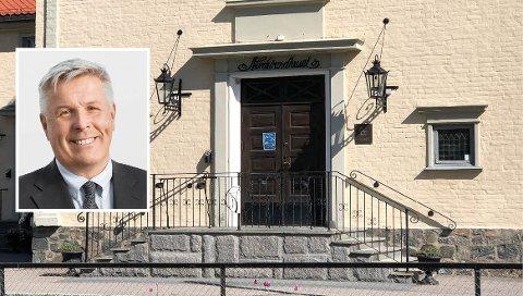 I GANG IGJEN: Nå er det igjen mulig å leie Nordstrandhuset. – Vi åpner veldig forsiktig med alle nødvendige smitteverntiltak, sier styreleder Olav Dalen Zahl (innfelt) i Nordstrand Velhus.