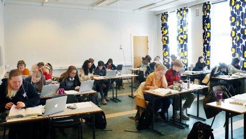 MANGE FORNØYD: De aller fleste elevene i Troms har fått plass på skolen de ønsket seg. Bildet er fra forbredelser til eksamen på Kongsbakken VGS.