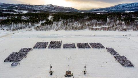 MØTTE IKKE: Her på Artillerisletta på Setermoen skulle mannen ha møtt til HV-øvelse. Nå er han dømt til betinget fengsel og bot.