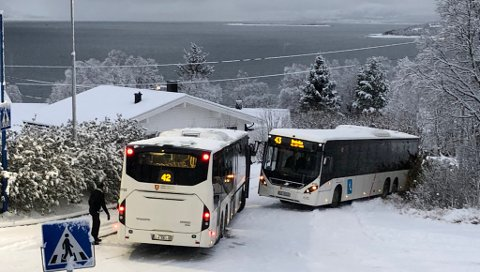 Her står bussen fast. Foto: Nordlys-tipser