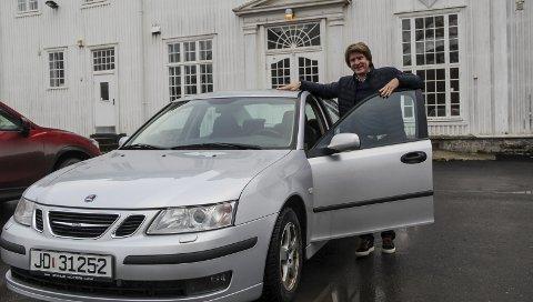 Arvelig belastet: Saab er et merke familien til Ola Narten Svendsen kjenner godt til, så da tiden kom for å bytte bil måtte det naturligvis bli en 9-3! foto: frode hermanrud