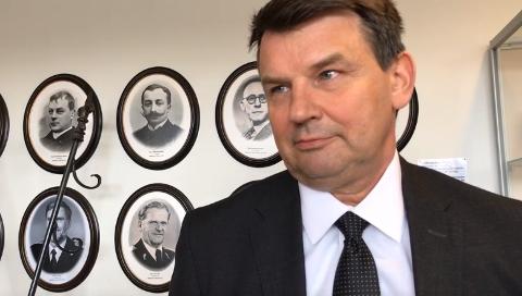 PÅ BESØK I SKI: Justis-, beredskaps og innvandringsminister Tor Mikkel Wara besøkte tirsdag Øst politidistrikt.