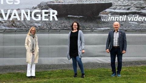 ENIGE: Høyres Birgitte Gulla Løken, Aps Elin Nyland og Sps Olav Nordheim har blitt enige om hvem som skal få penger fra fjorårets overskudd.