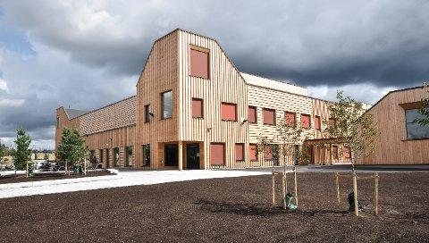 TABBE: Dag Martin Bakken (Frp) mener det var en tabbe å bygge den nye Ydalir skole i Elverum. Årsaken er overkapasiteten i skolene i Elverum på grunn av synkende elevtall.