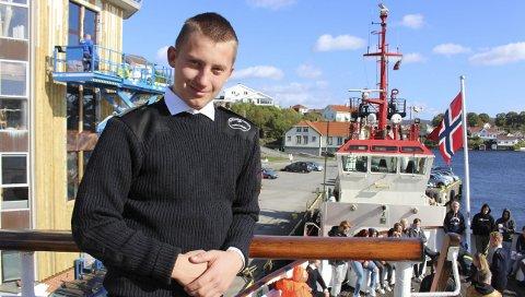 OM BORD: Sebastian Nilsen fra Kragerø går VG2 på skoleskipet Sjøkurs og vil bli maskinist.
