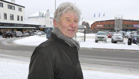 Tre alternativer: Nils Gunnar Jørgensen drev TV-Jørgen flere ulike steder i Porsgrunn fra 70- til utpå 90-tallet. Han mener det må være mulig å bygge en parkeringskjeller, eller et tak med parkeringsplasser, slik at Franklintorget kan benyttes som torg eller park i samsvar med bypakkeplanene.