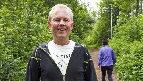 UVANT: Åge Skogen trives godt som pensjonist og er ofte ute i Uræddløypa som ligger rett ved huset på Stridsklev.