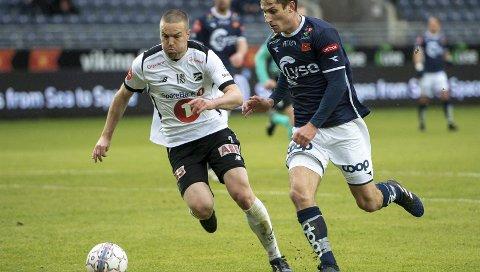 FORLENGER: Espen Ruud forlenger med Odd ut sesongen 2022.