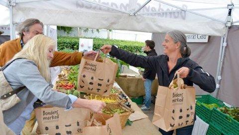 MAT I SENTRUM: Bondens marked vil stå parat når Markens Grøde går av stabelen denne høsten.