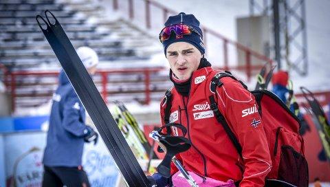 NORGESCUP: Martin Alfheim gikk på eliteløperen Johannes Thingnes Bøe sine ski i Junior VM i Otepää. I helga venter en ny runde i norgescupen. Foto: Øyvind Bratt