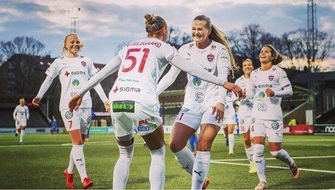 JUBEL: Lisa-Marie Karlseng Utland har hatt ei meget god uke på fotballbanen.