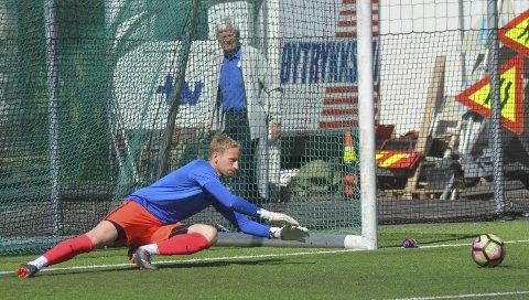 Den tidligere Stålkam-keeperen, Erik Sivertsen, spiller nå for 2. divisjonslaget Kjelsås. Der har han gjort det meget bra.