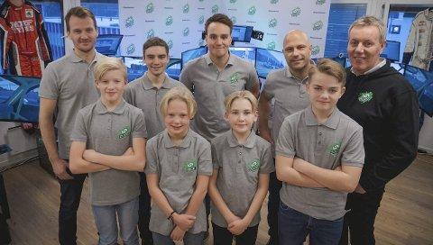 NY SATSING: Ranværingen Marius Erlandsen Bak t.v.) er sentral i satsingen der fire unge norske bilsporttalenter får en unik mulighet til å nå verdenstoppen i rally.