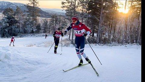 Junioren Birk Fjellheim, B&Y IL, knuste konkurrentene i kretsrennet på Fauske søndag. Og ikke bare i juniorklassen, men totalt.
