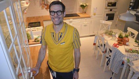 Størst: I byene kjøper folk mer moderne kjøkken enn i Innlandet, der Bodbyn er den store slageren. – Vi ser også at folk ofte bedre plass her en folk i en byleilighet, derfor slår de til med kjøkkenøy og store rom, der spisestuen også er i hjertet av kjøkkenet, sier varehussjef Jens Listrup.Foto: Jeanette Sandbæk Håland