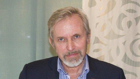 Ordfører i Hole, Per R. Berger (H) står fast på partiprogrammet, som sier nei til sammenslåing.