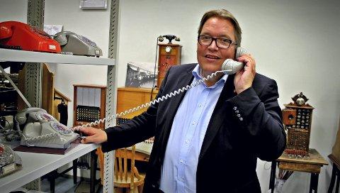 APPELLERER TIL REGJERINGEN: Stortingsrepresentant Sverre Myrli (Ap) oppfordrer regjeringen til å sette av penger i statsbudsjettet til Telemuseets samling i Fet, som står i fare for nedleggelse 1. januar 2018.FOTO: SEBASTIAN SKYTTERUD MYERS