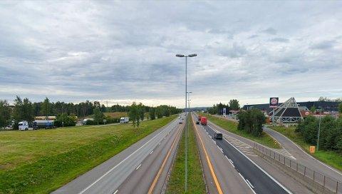 NESTEN-ULYKKER: Flere meldte fra om sjåførens kjøreatferd her ved Kløfta på E6.