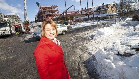 FORNØYD: Rektor Hanne Lien Aaberg er fornøyd med at både utbygger i Sætre sentrum og kommunen reagerer raskt.
