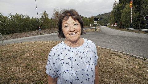 TROR FORTSATT: Heidi Støa fra Sætre i Hurum tror fortsatt at de kan få til en bro framfor nytt tunnelløp. Nå håper hun så mange som mulig bidrar med penger til blant annet advokathjelp.