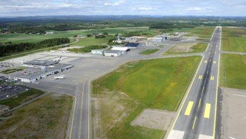 MÅ OPPGRADERES: Rullebanen på Torp Sandefjord lufthavn må oppgraderes for rundt 257 millioner kroner.