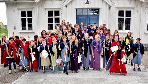 Pilegrimsdag: Elever på 5. klassetrinn ved Hafslund barneskole lærte om både pilegrimvandringer og lokal historie sist torsdag.
